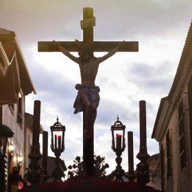 Cristo en la cruz - Semana Santa Herencia