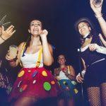 juventud en el concierto del carnaval de verano de Herencia